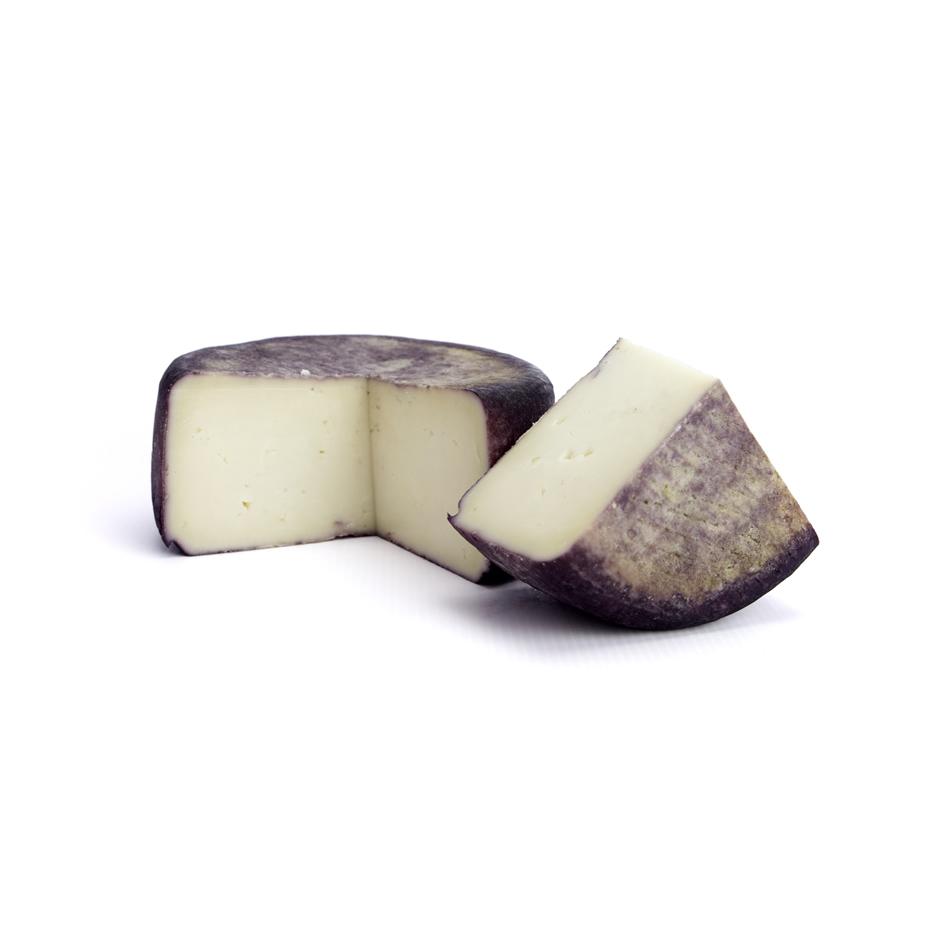queso-encinar-de-rontome-al-vino-bodegon-cortado